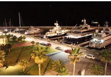 Port Fòrum 16m Rental