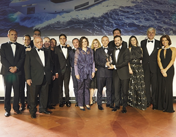 "Custom Line Navetta 33 ""Telli"" wins International Yacht World 'Oscar'"